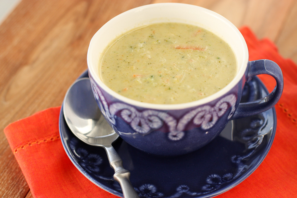 Low Carb Cheddar and Broccoli Soup